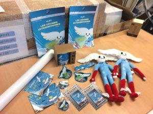 Produits dérivés de la mascotte Aleo pour le Salon International de l'Aéronautique et de l'Espace